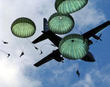 С каких высот и самолетов прыгают десантники с парашютом и зачем нужен запасной парашют
