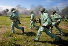 Действия военнослужащего в бою конспект. Ход занятия. Способы наблюдения днем и ночью